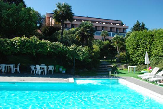 Hotel Conca Azzurra: vista hotel dalla piscina