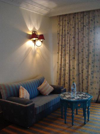Regency Hotel and Spa : le petit coin salon de la chambre