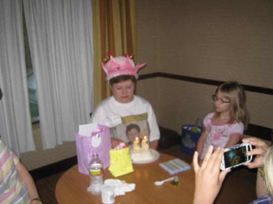 Best Western Palo Duro Canyon Inn & Suites : my sisters b'day party in the brkfst room