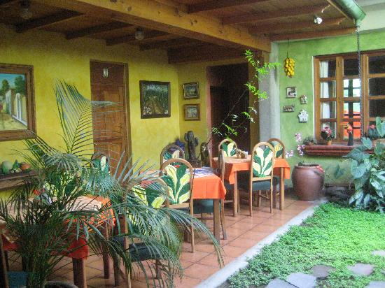 Hotel La Posada del Rey Primero: a tranquil courtyard