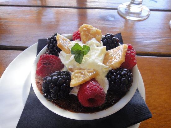 Lake Breeze Winery Patio Restaurant: Dessert