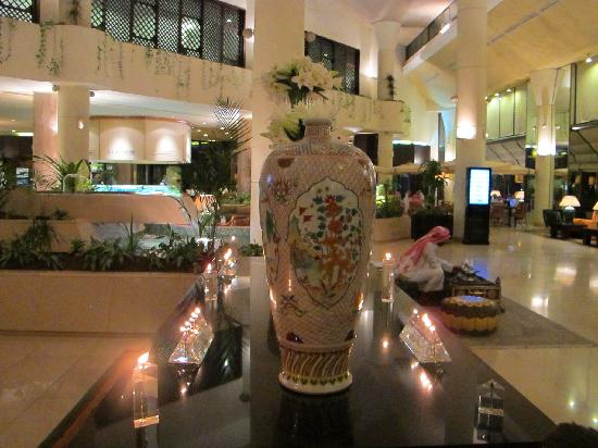 Le Meridien Al Khobar: the Lobby