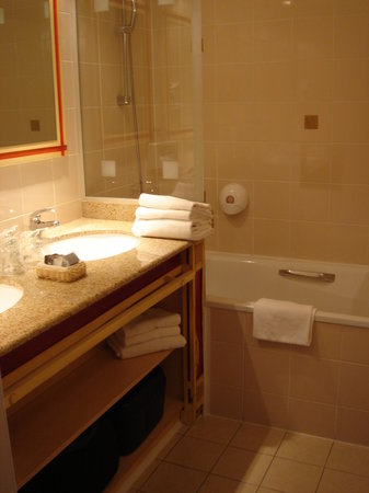 Saint-Malo Golf Resort : salle de bain