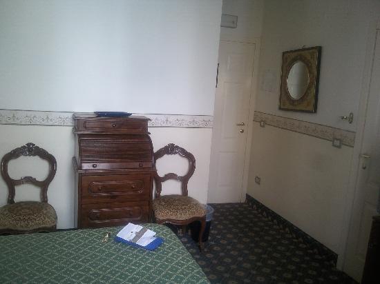 Hotel Argentina: Habitacion