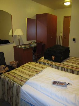 Hotel Borgarnes: Our bedroom