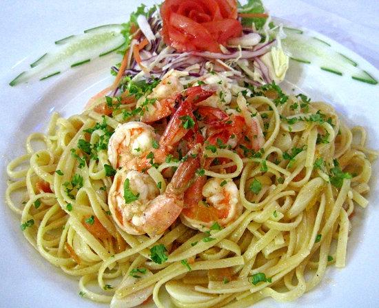 Cafe Del Sol Italian & Thai Restaurant: TAGLIATELLE SAUCE WITH FRESH SHRIMP