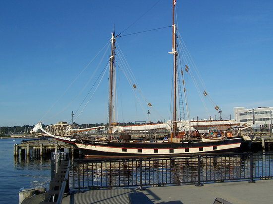 New London, CT: Mystic Whaler