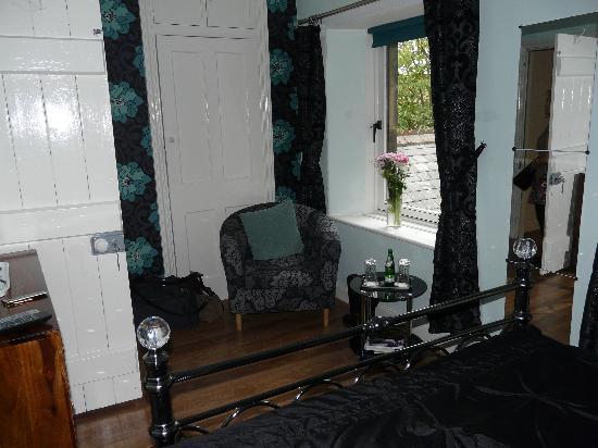 Ravensmede Cottage B & B