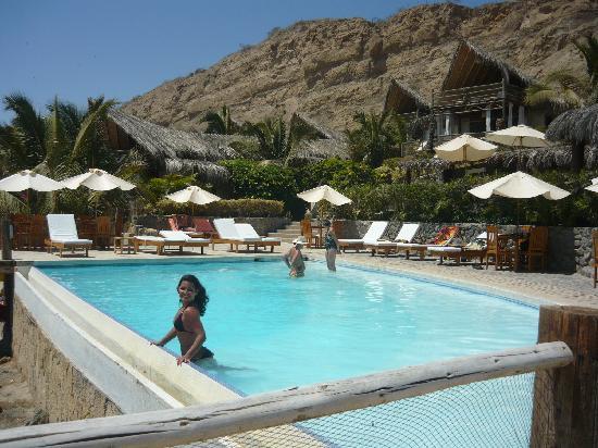 Hotel Grand Mare & Bungalows: La piscina