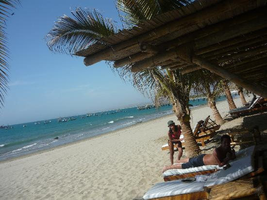 Hotel Grand Mare & Bungalows: La playa
