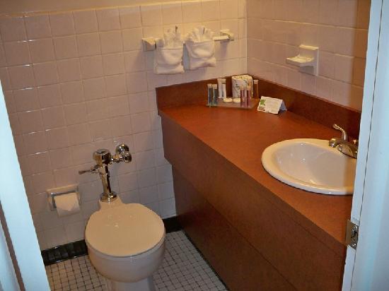 Hotel Ruby: Ruby 210 bath