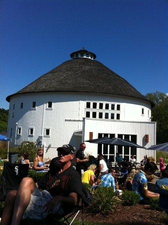 Round Barn Winery - Baroda Tasting Room & Estate: Round Barn Winery