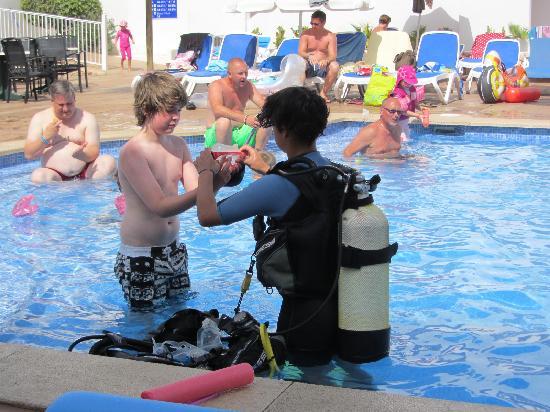 Aparthotel Ferrera Blanca: Free snorkelling   introduction