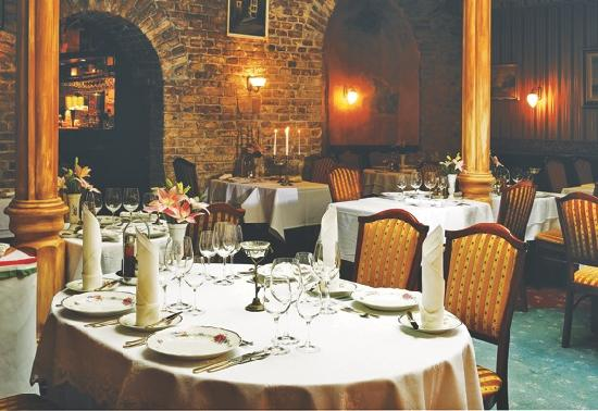 Kiraly Restaurant : Main Area