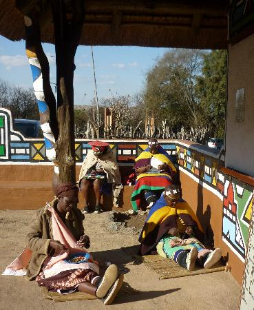 Ndebele women making beaded items to sell
