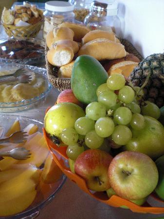 Pousada Chez Roni: Petit déjeuner