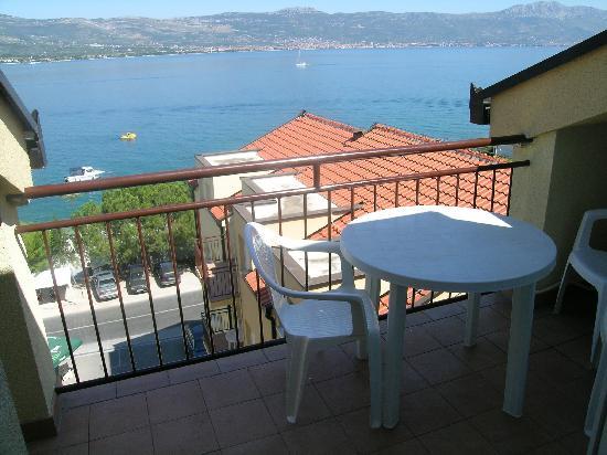 Villa Malo More: balcony with sea view
