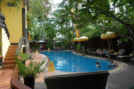 Bopha Siem Reap Boutique Hotel: Pool