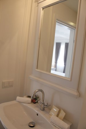 Vintage Boutique Hotel Alacati : Deluxe Room (Room No 101), Bathroom