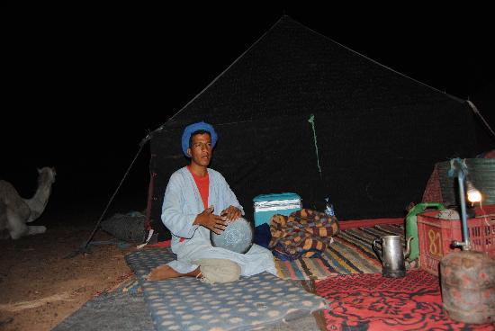 Tinfou Dunes: a noite no fim de jantar com o guia
