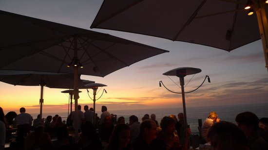 George's at the Cove: Sunset at George's
