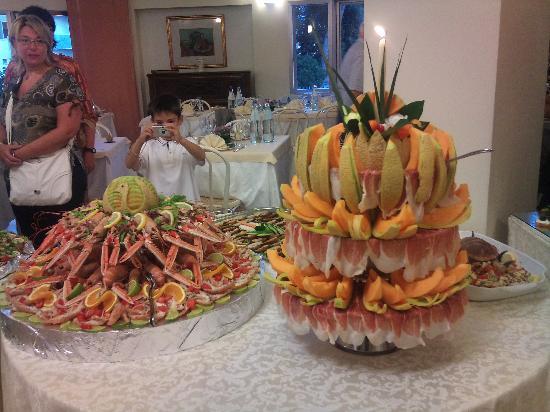 Hotel Palace: particolare del buffet di ferragosto 2011