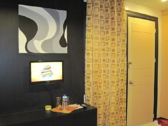 The Royale House Travel Inn and Suites: deluxe room