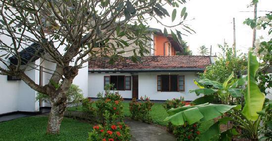 Cover Point Villa: Front Of The Beach Villa