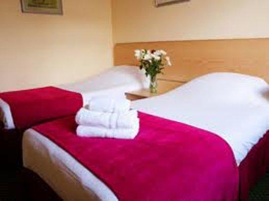 ABC Motels: Bedroom