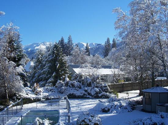 Spa Lodge Motel: Snow at Spa Lodge