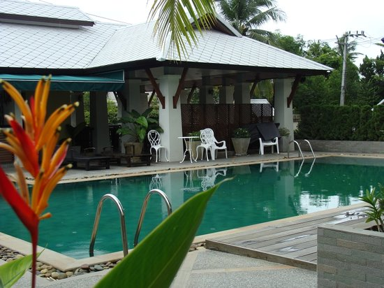Sakorn Residence & Hotel: Clean Pool with comfortable water temperature