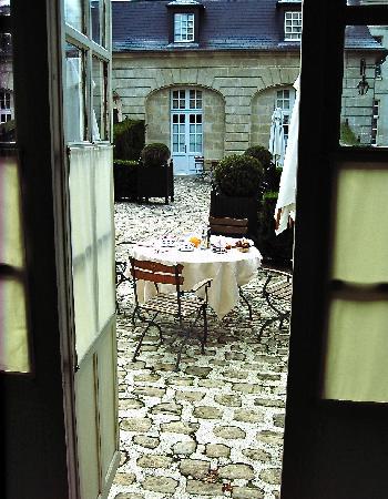 Château de Courcelles: Breakfast