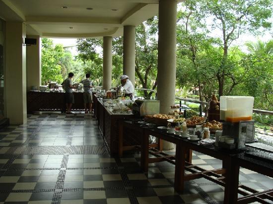 The Grand Riverside Hotel: The fabulous breakfast buffet