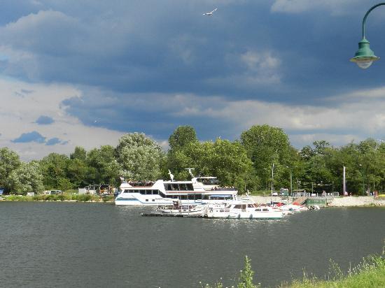 Veliko Gradiste, Serbia: Danube Cruise ship
