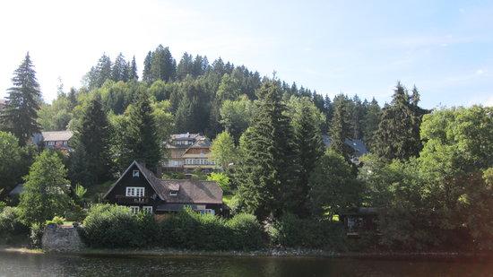 Gästehaus Wiesler: la gasthaus vista dal lago