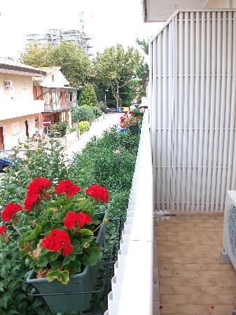 Hotel Tamanaco Lignano Sabbiadoro: Il terrazzino, tutte le stanze ne hanno uno