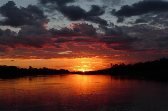 Muyuna Amazon Lodge: Amazon sunset