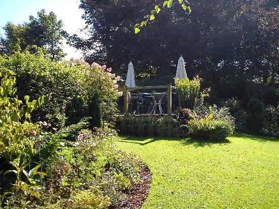 The Old Rectory Hotel: Another garden shot
