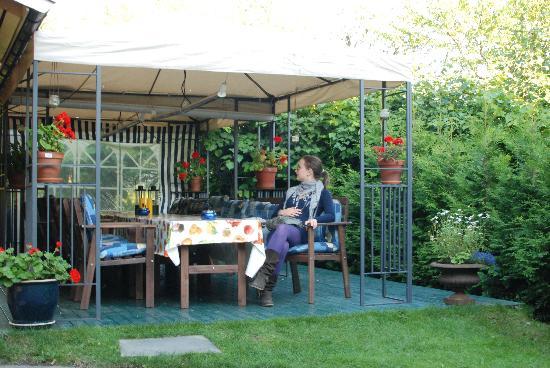 Maridalsveien 303: veranda per gli ospiti in giardino (riscaldata)