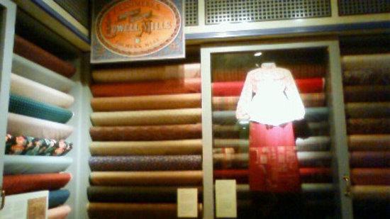 Boott Cotton Mills Museum : 工場で織られたきれいな布