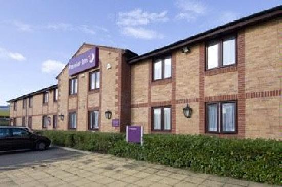 Premier Inn Newcastle South Hotel: Front View