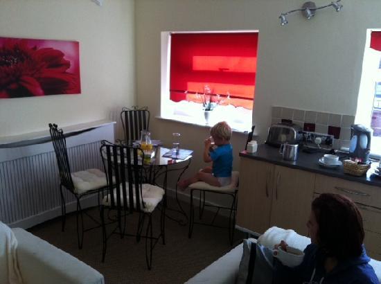 Aparthotel Blackpool: front room