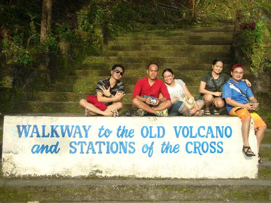 Camiguin Island : a short stop for pic taking