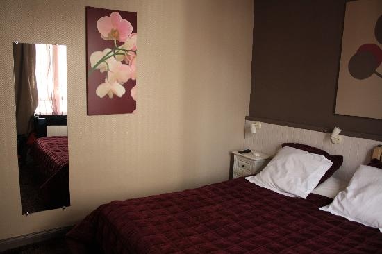 Equinoxe Hotel: Chambre n°7, vue depuis la sdb