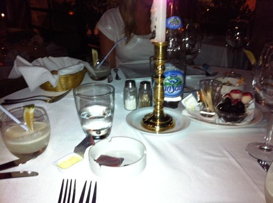 La Scala : exquisite table setting