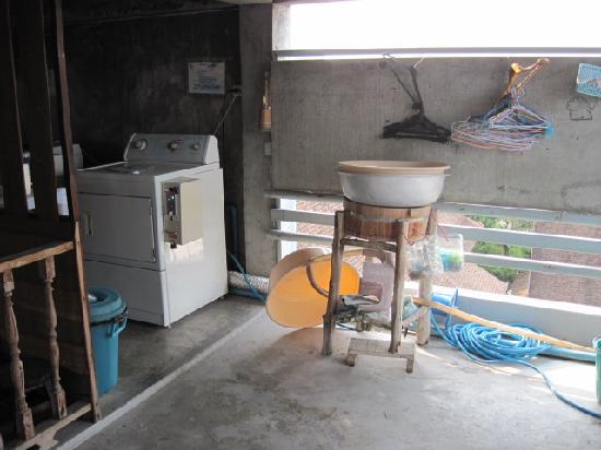 HI-Sukhumvit: laundry area