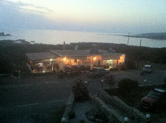 Glykeria Hotel: View from room to restaurant