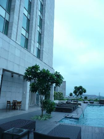 Crowne Plaza Today New Delhi Okhla: the pool at the Crowne Plaza Okhla