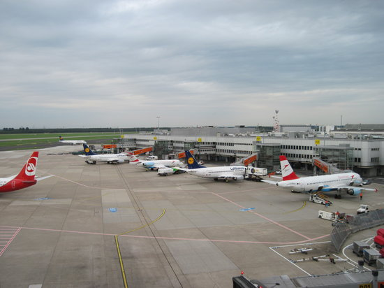 Dusseldorf airport visitor's terraces
