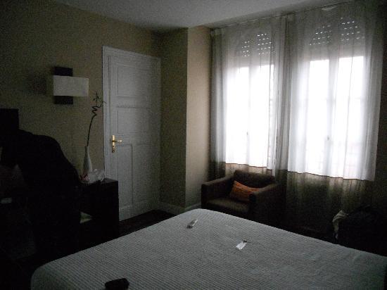 Hotel Alcyon : chambre confort bain